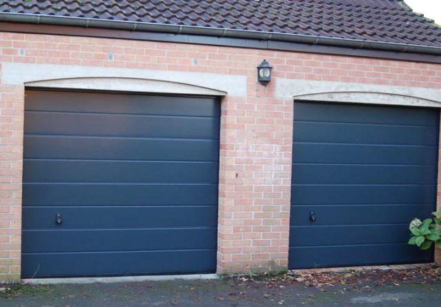 Menuiserie - Portes de garage sectionnelles en pvc